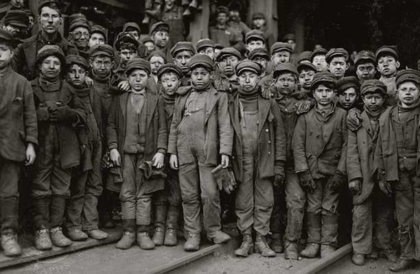 lewishein_coal_miners